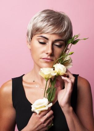 Peruka Laura Szary Blond